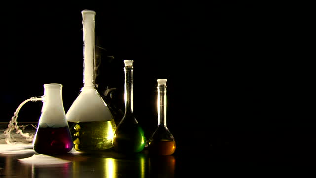 مساقات في تخصص الكيمياء