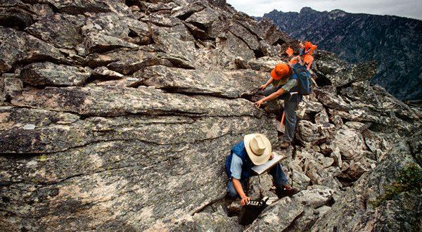 تعلم الجيولوجيا