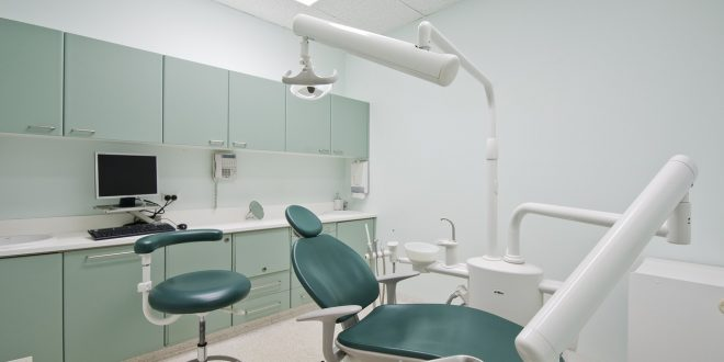 دراسة طب الأسنان