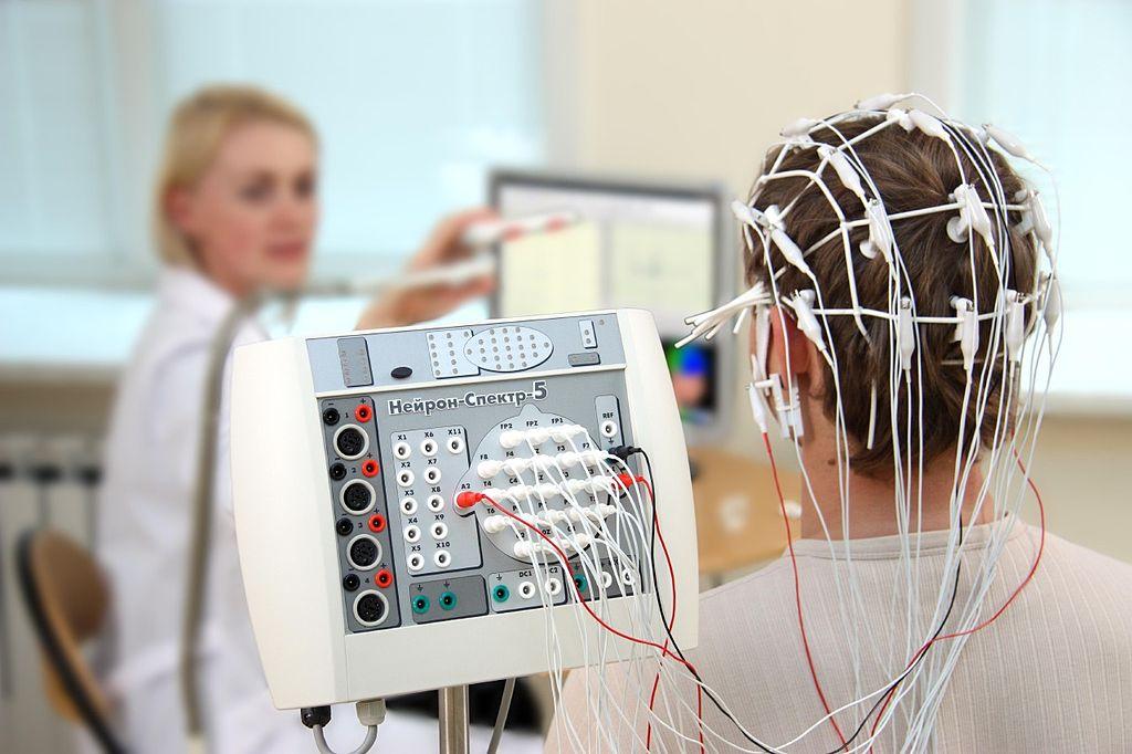 تخطيط أمواج الدماغ